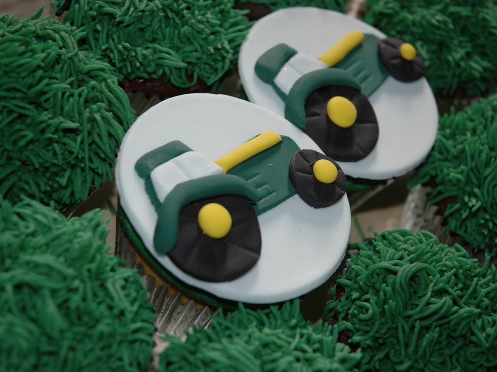 A Clients Son Loves Tractors And Wanted Tractor Cupcakes Fondant Cupcake Topper Grass Tip