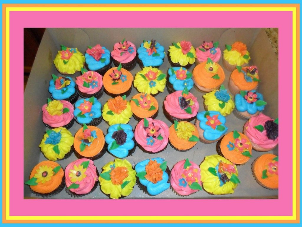 Mexican Fiesta Flower Cupcakes Fondant Flowers Made From Cutters And
