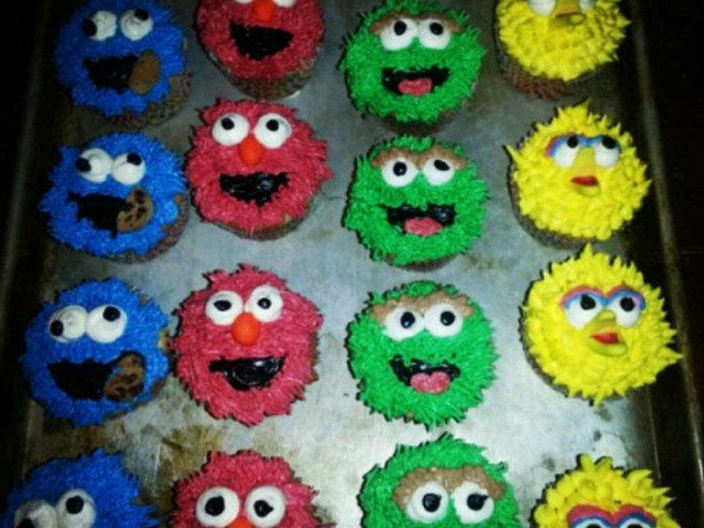 Sesame Street Cupcakes For My Son's 2Nd Bday! - CakeCentral com