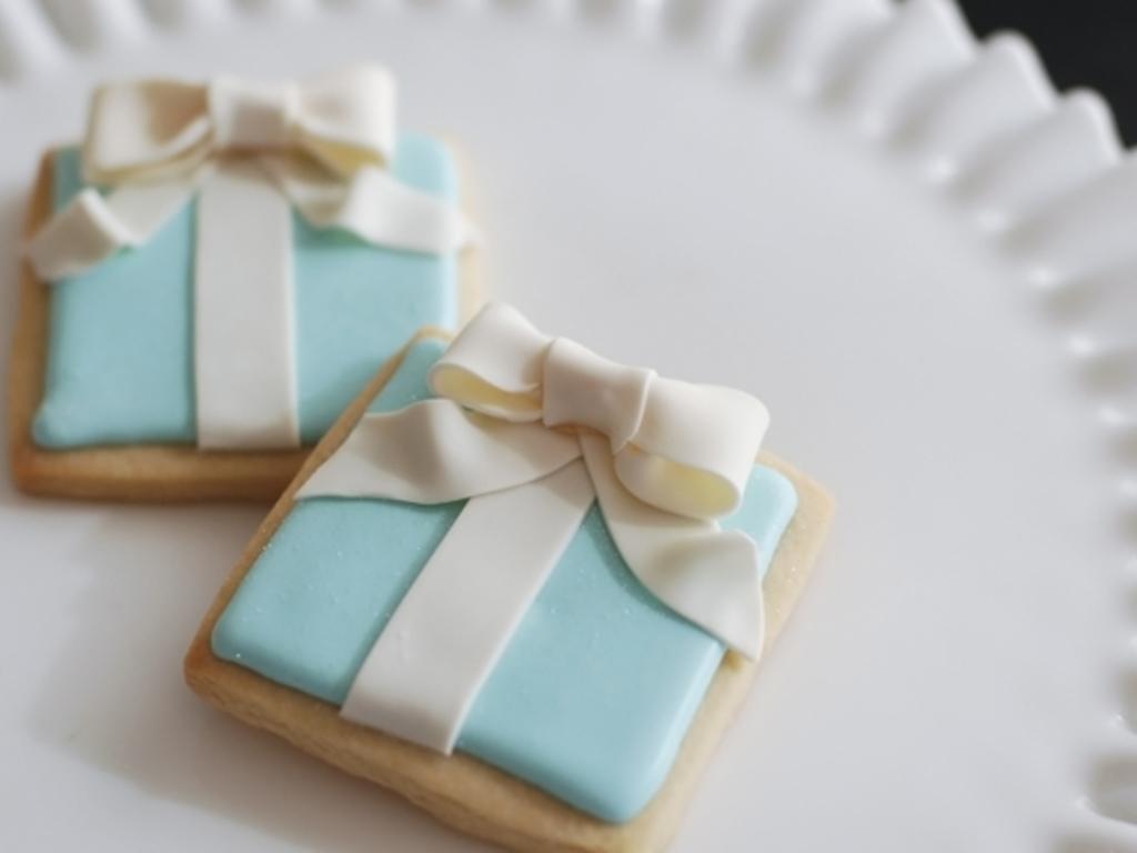 Tiffany Present Box Cookies - CakeCentral.com