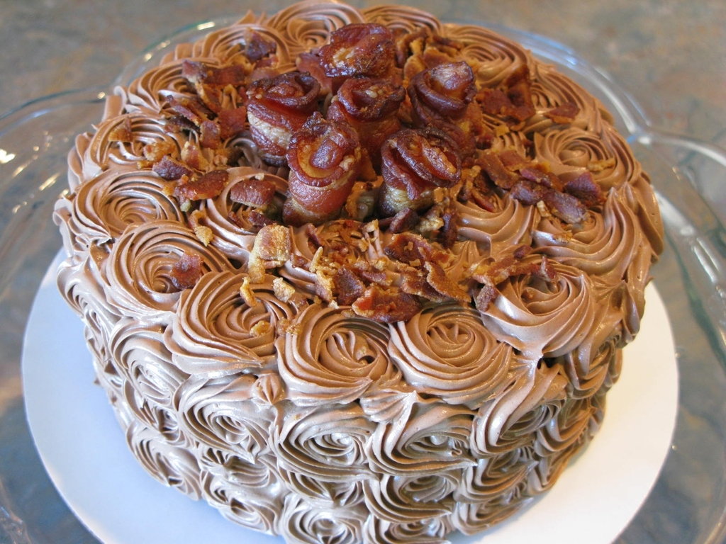 Chocolate Cake With Bacon Rosettes Cakecentral