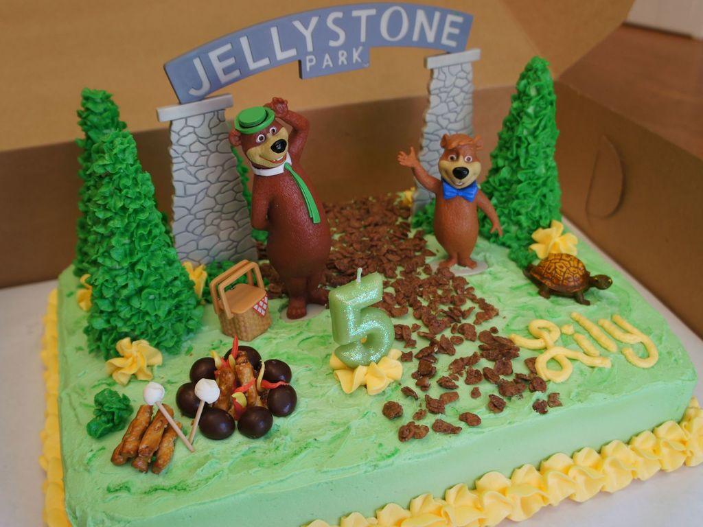 Yogi Bear Birthday Cake CakeCentralcom - Bear birthday cake