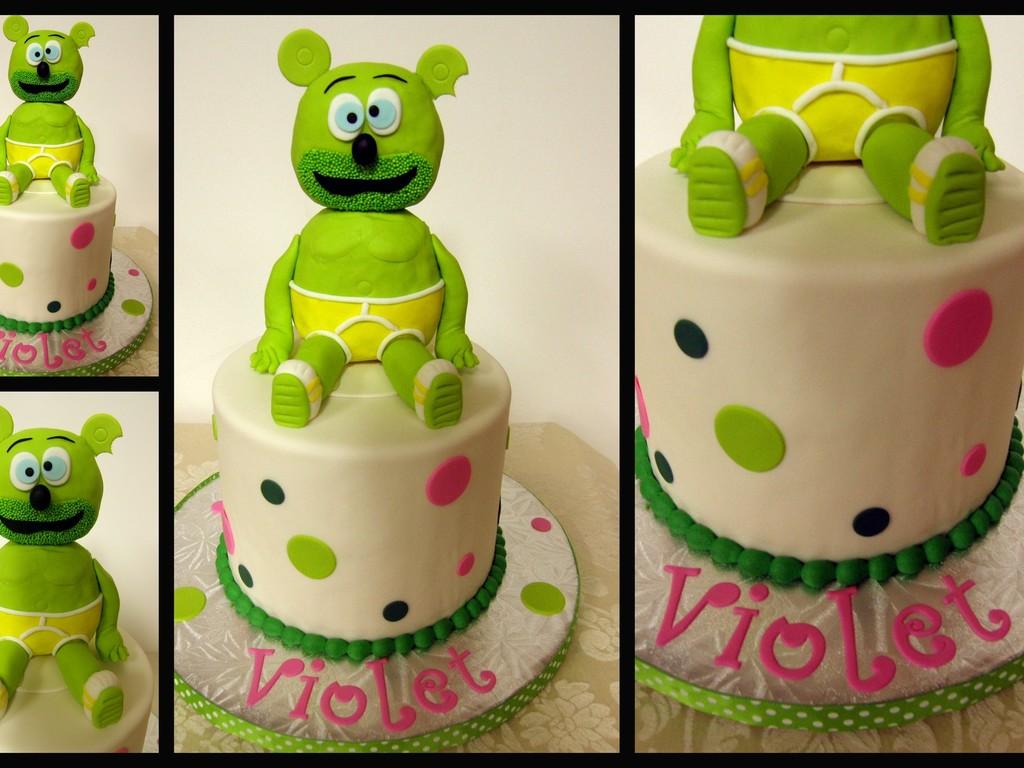 Ist Birthday Gummibar Cake (Gummy Bear) - CakeCentral.com