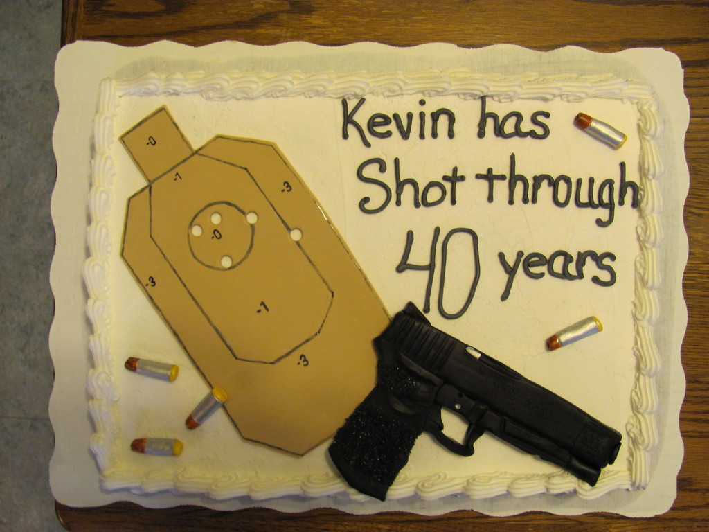 Brilliant Gun And Target Birthday Cake Cakecentral Com Funny Birthday Cards Online Alyptdamsfinfo