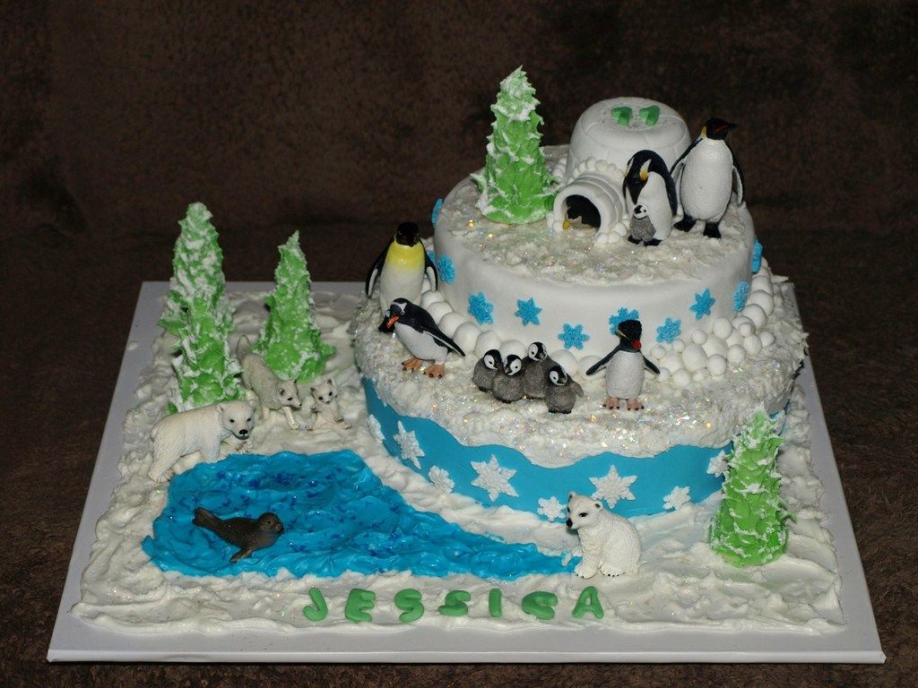 Snow Cake The Snow Is Made From Royal Icing And The Cakes Are
