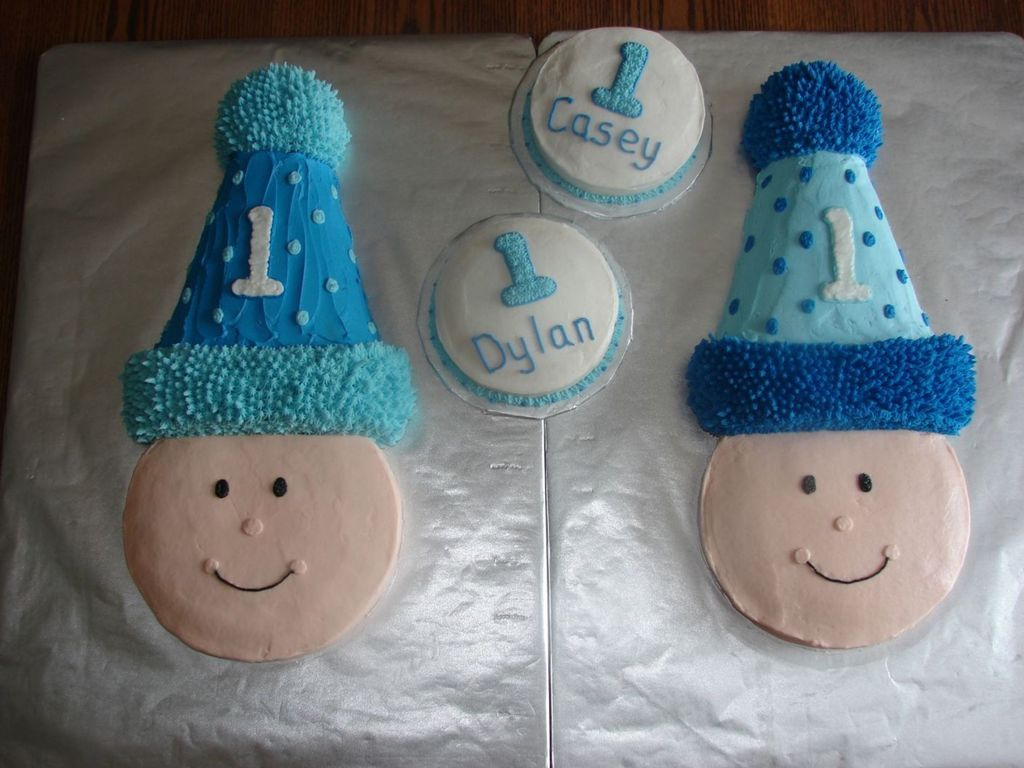 Outstanding Twin First Birthday Cakes Cakecentral Com Funny Birthday Cards Online Elaedamsfinfo
