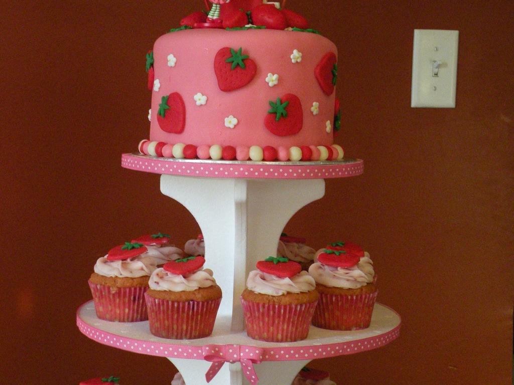 Strawberry Shortcake 1St Birthday Cake Cupcakes