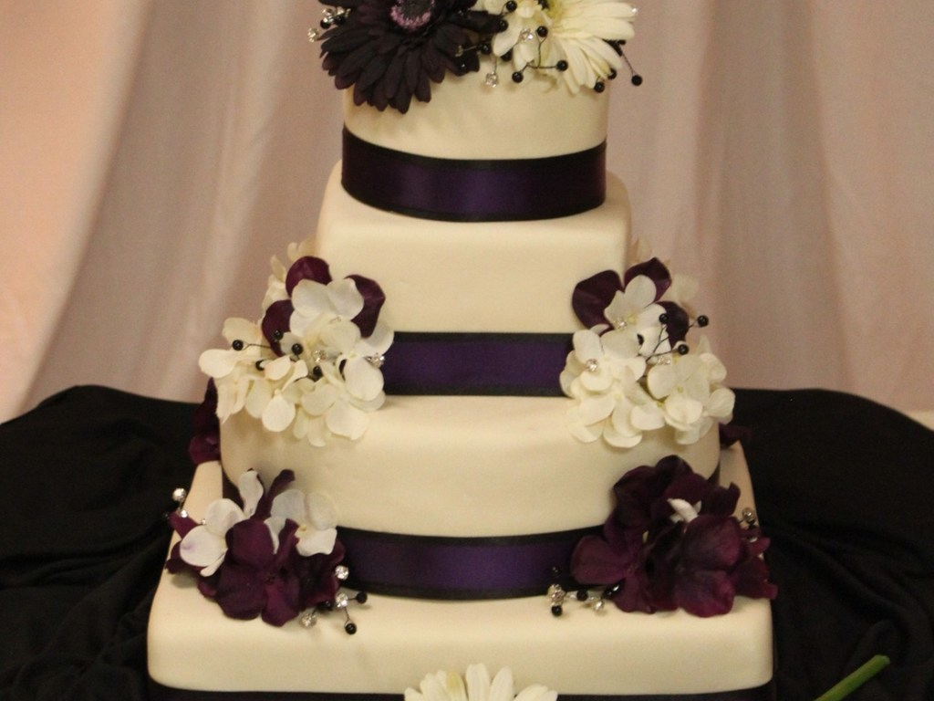 Black ,purple And Ivory - CakeCentral.com