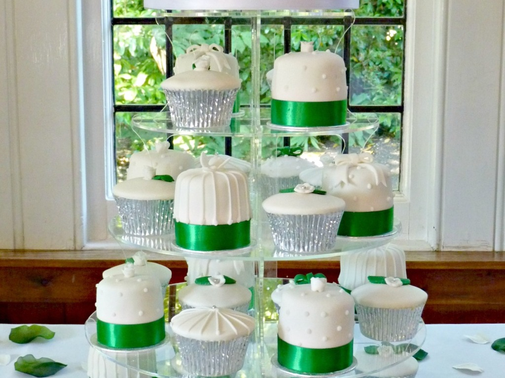 Emerald Green Cupcake/mini Cake Tower , CakeCentral.com