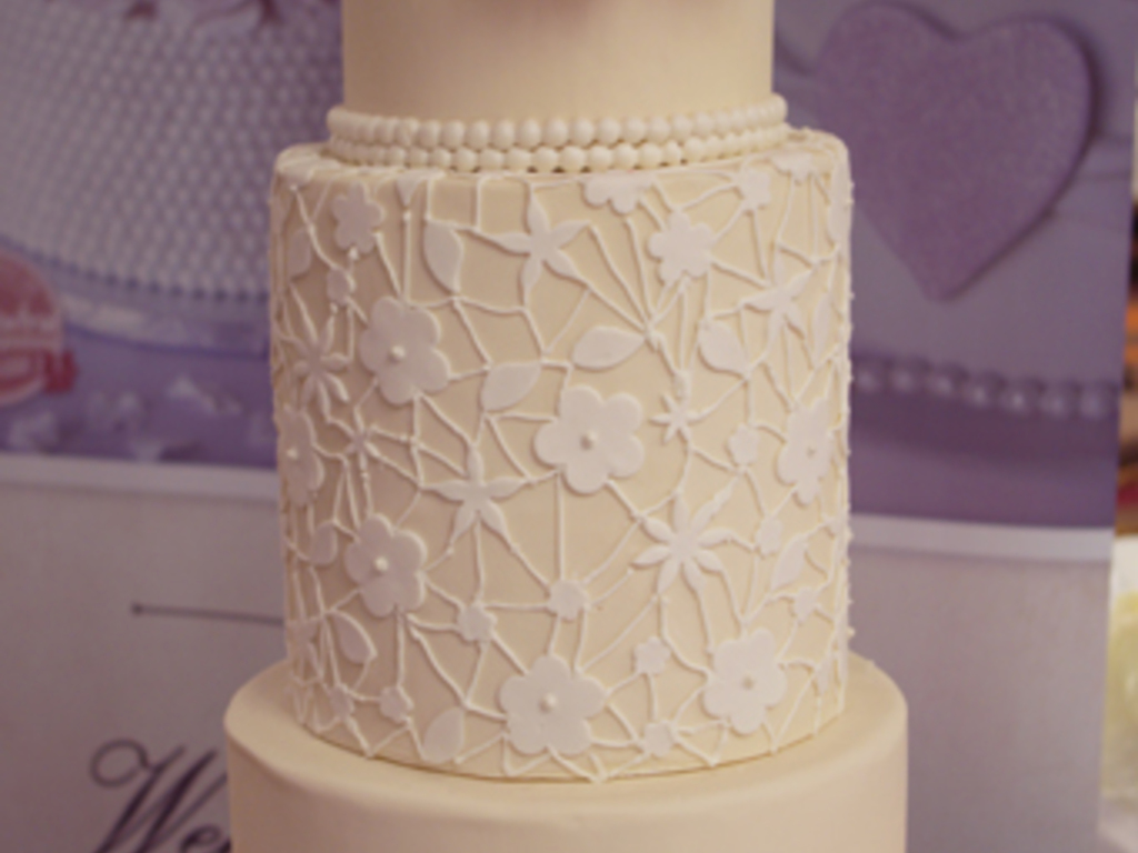 Ivory Lace Wedding Cake Cakecentral Com