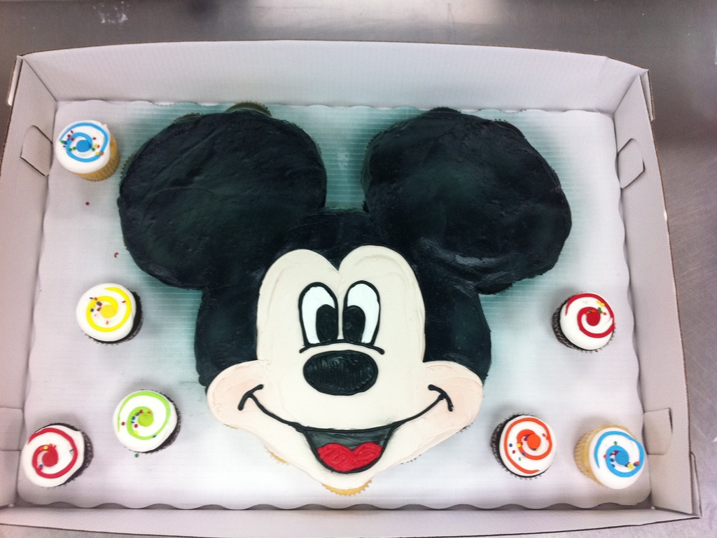 Admirable Mickey Mouse Cupcake Cake Cakecentral Com Funny Birthday Cards Online Inifofree Goldxyz