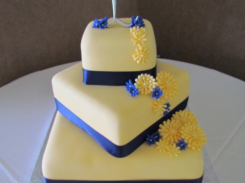 Off-Set 3 Tier Square Wedding Cake - CakeCentral.com