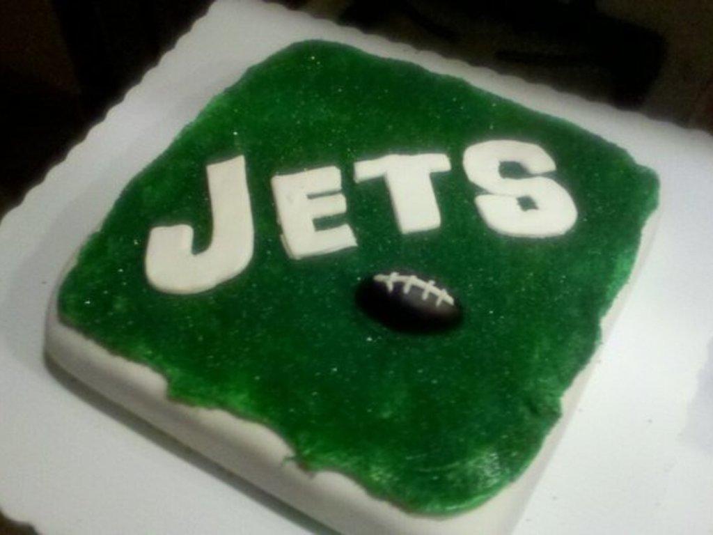 Swell Ny Jets Cake Cakecentral Com Funny Birthday Cards Online Amentibdeldamsfinfo