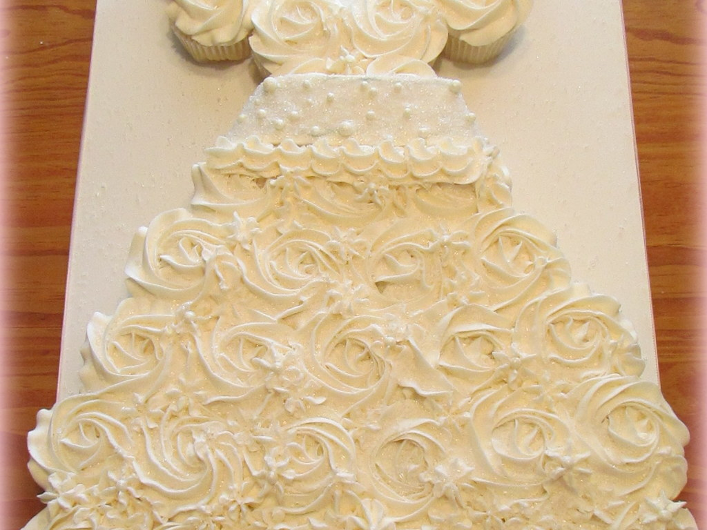 Bridal Dress Cupcake Cake - CakeCentral.com