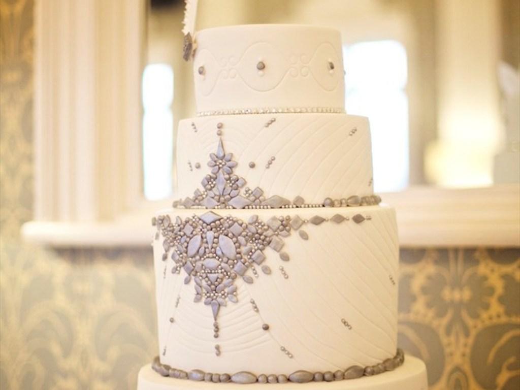 Vintage 1920s Themed Wedding Cake