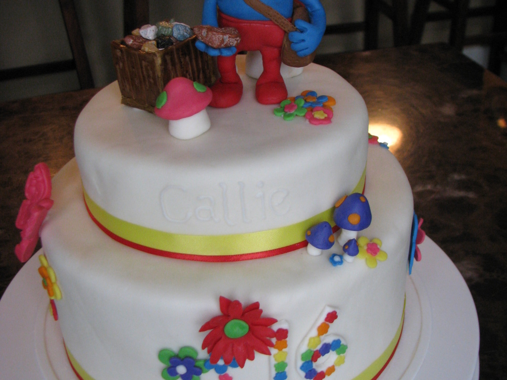 16Th Birthday Papa Smurf Cake