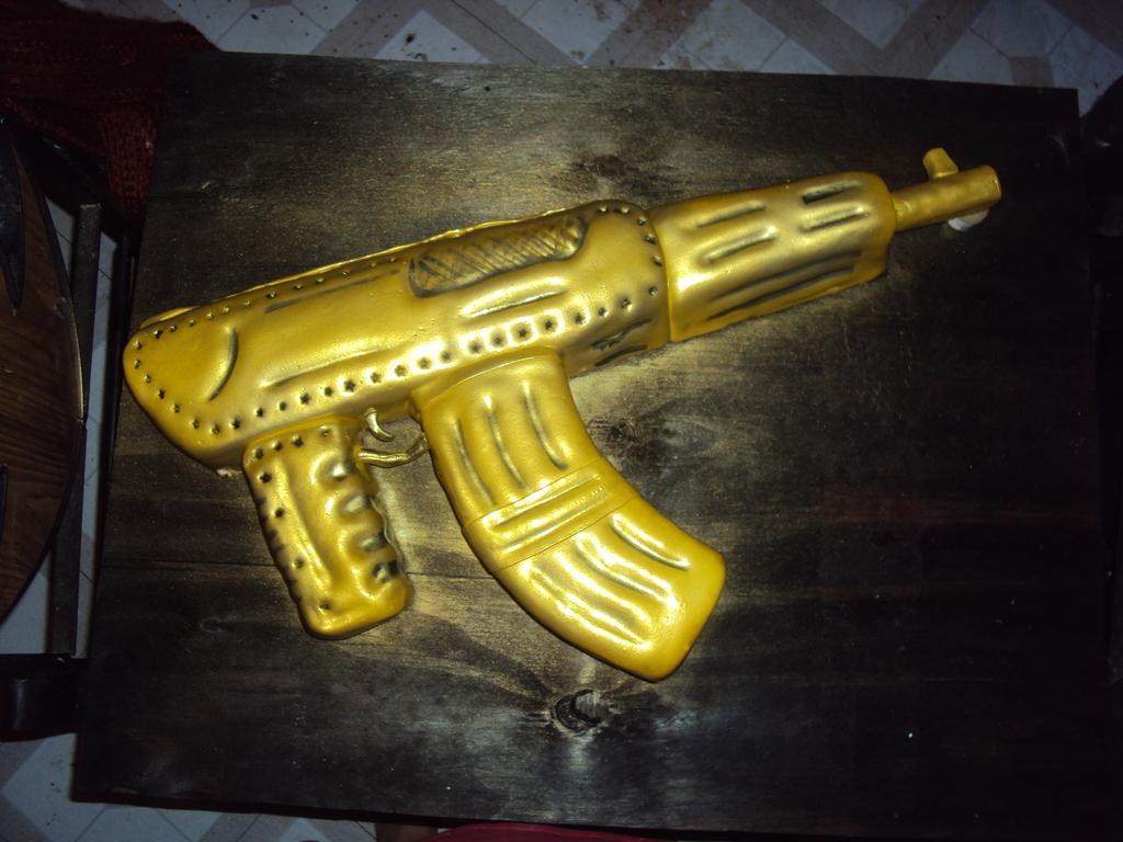Gold Platted Ak 47 Machine Gun