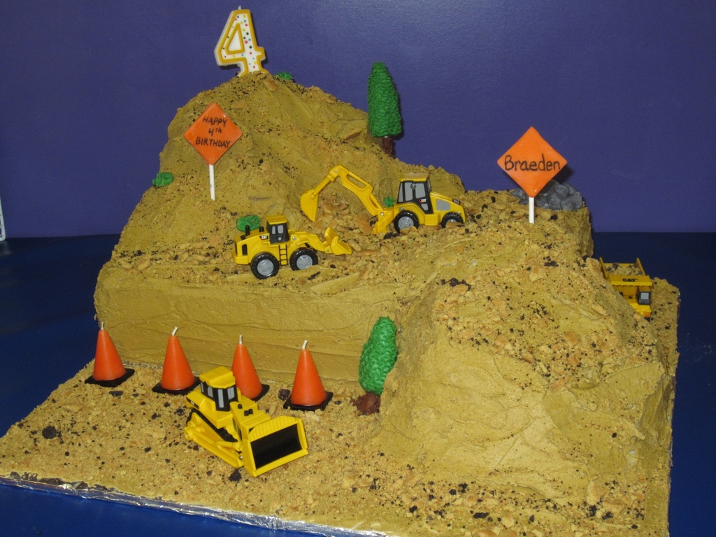 Excellent Construction Site Cake Cakecentral Com Funny Birthday Cards Online Alyptdamsfinfo