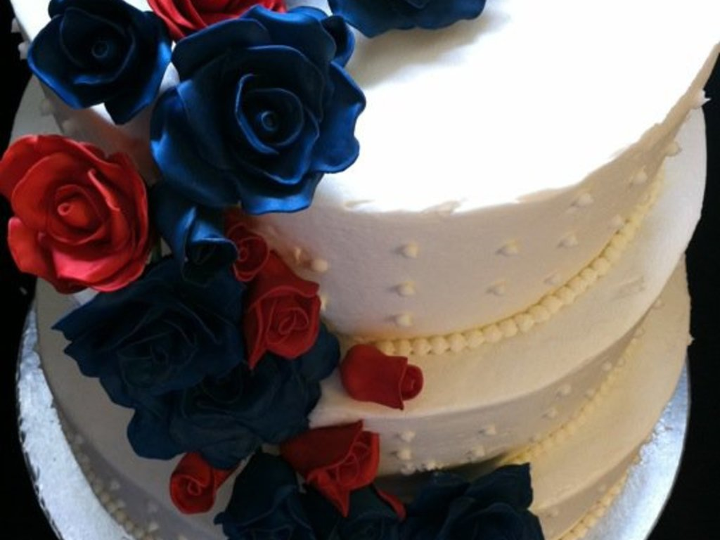 Navy And Red Roses Wedding Cakecentral Com