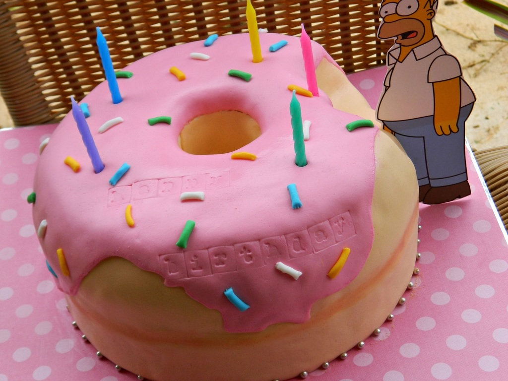 Homers Giant Donut Cake