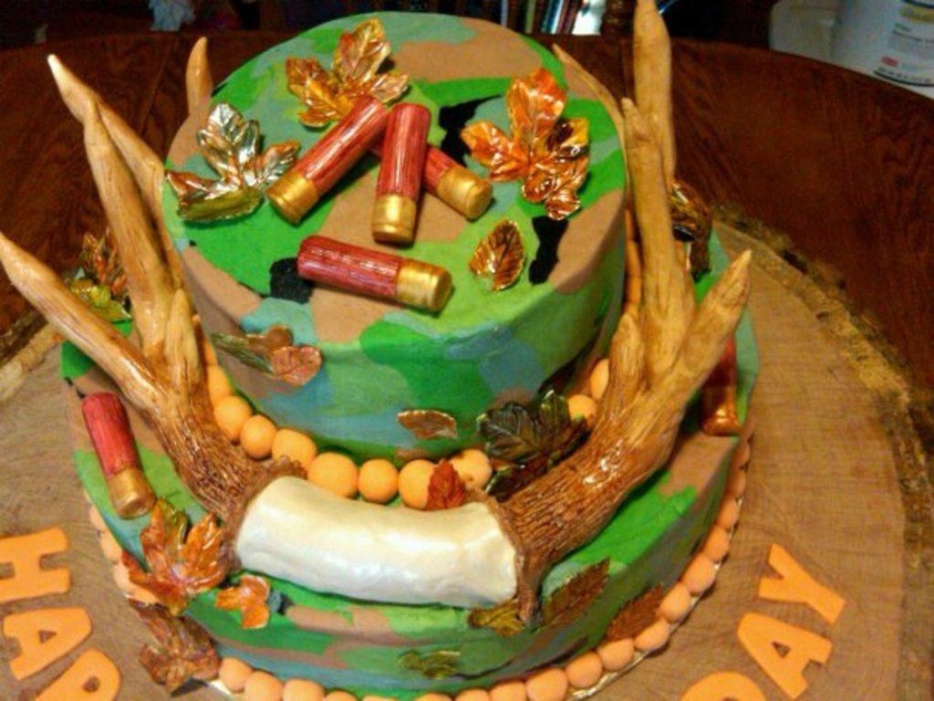 Deer Hunter Birthday Cake CakeCentralcom