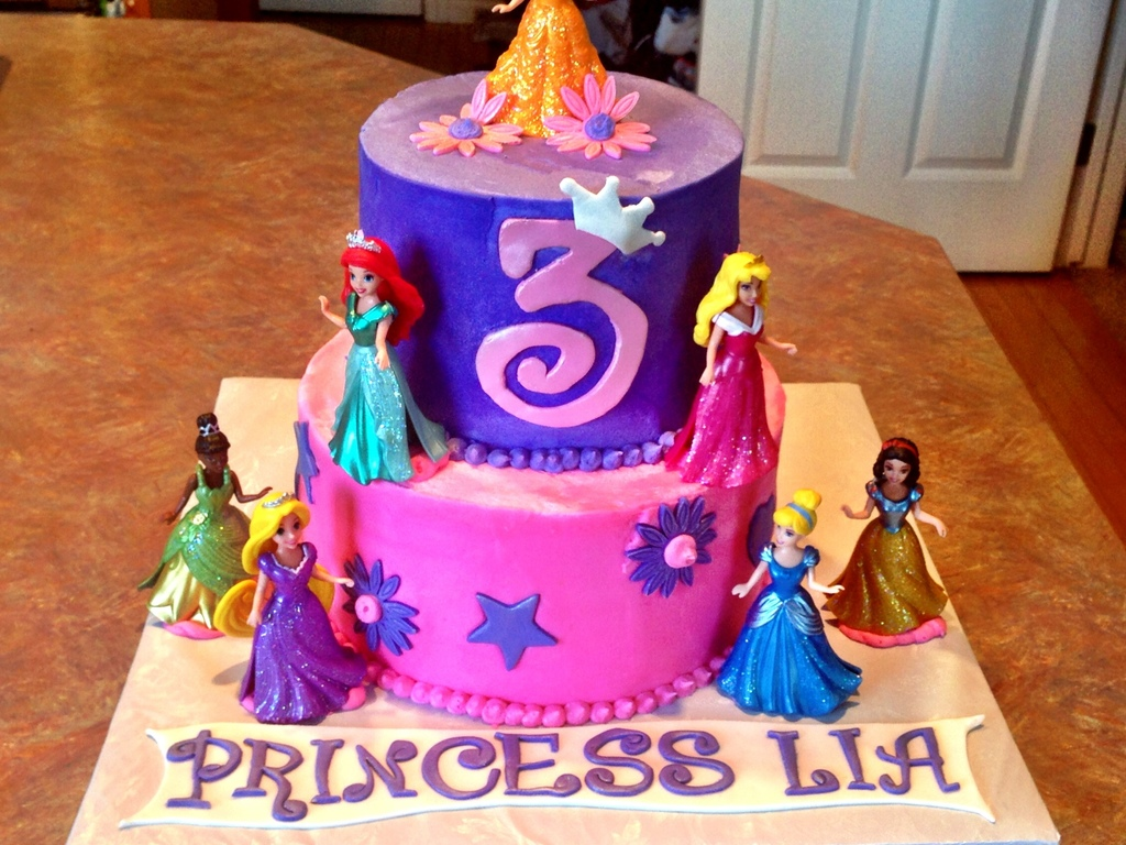 & Disney Princess Birthday Cake - CakeCentral.com