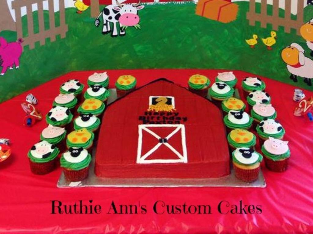 Pleasing Farm Animals Cupcakes And Barn Cake Cakecentral Com Personalised Birthday Cards Veneteletsinfo