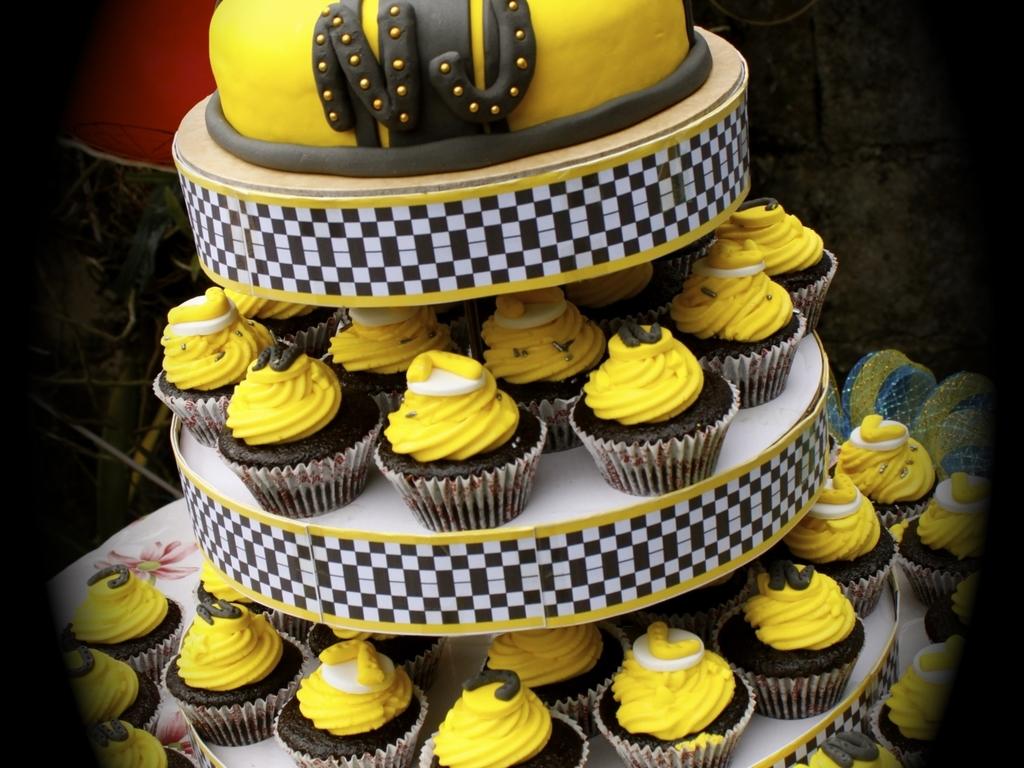 Bumblebee Transformer Cake CakeCentralcom