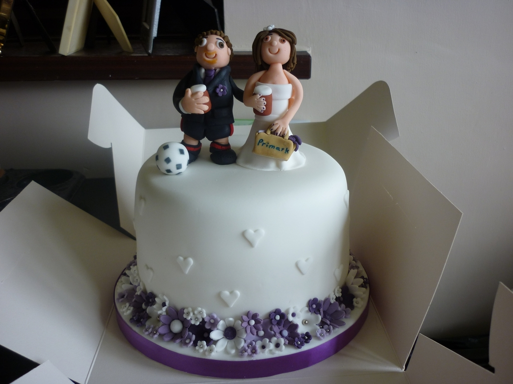Small Wedding Cake With 250 Cupcakes Cakecentral Com
