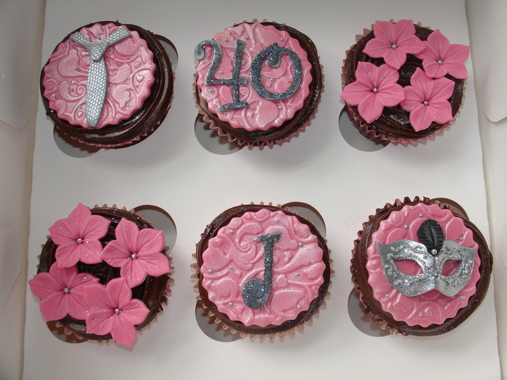 40th Bday Fifty Shades Of Grey Cupcakes Cakecentral Com