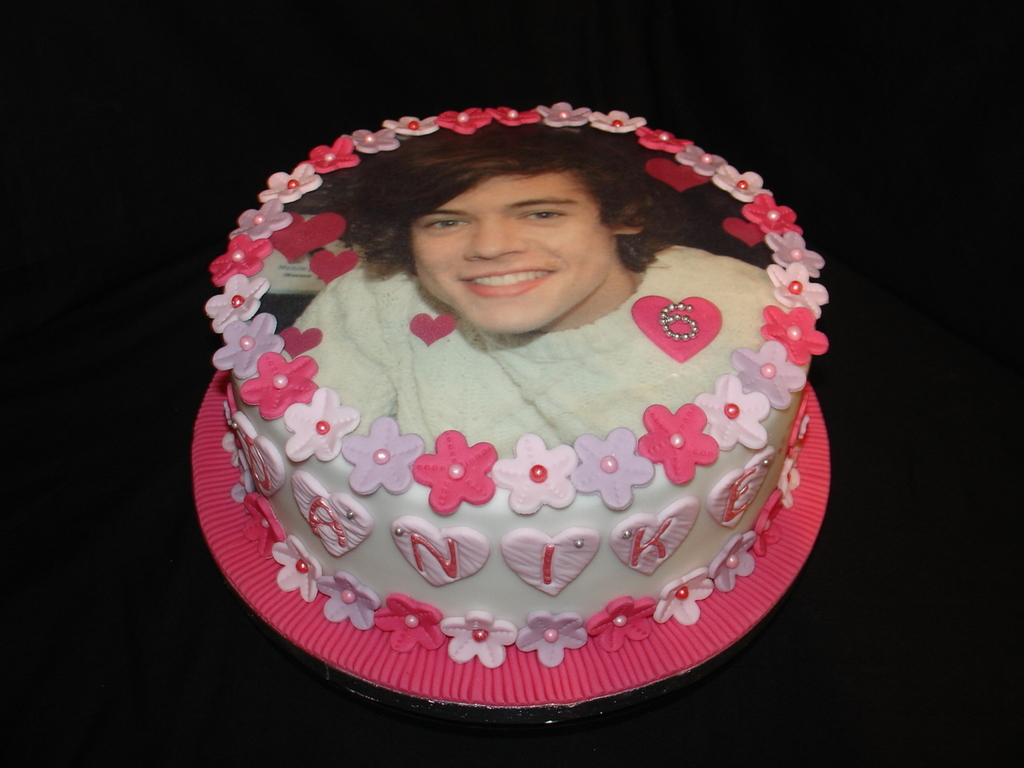Excellent One Direction Harry Styles Fondant Cake Cakecentral Com Funny Birthday Cards Online Eattedamsfinfo