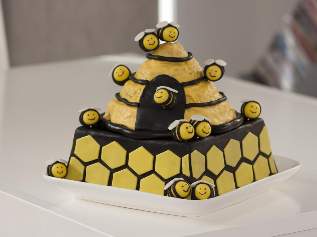 Gf White Chocolate Honeycomb Cake With Chocolate Ganache Hive Is ...