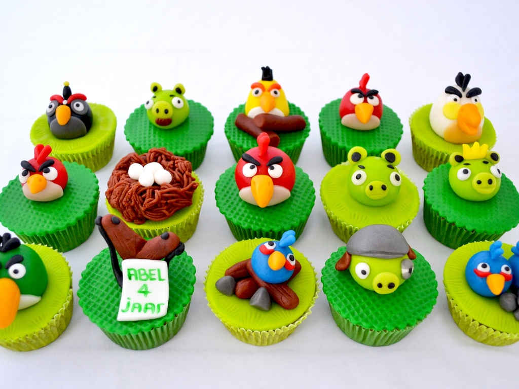 Angry Birds Cupcakes CakeCentralcom