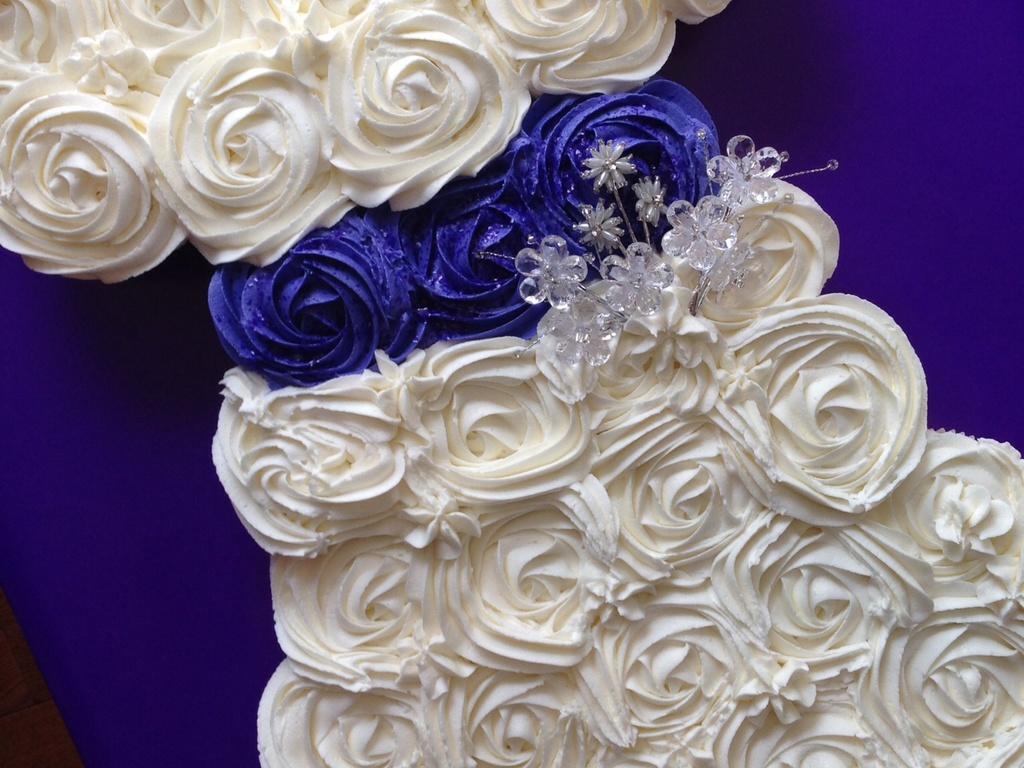Cupcakes Shaped Like A Wedding Dress