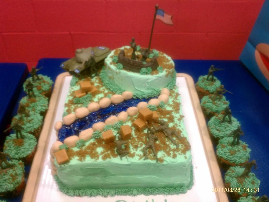 Magnificent Army Birthday Cake Cakecentral Com Funny Birthday Cards Online Benoljebrpdamsfinfo