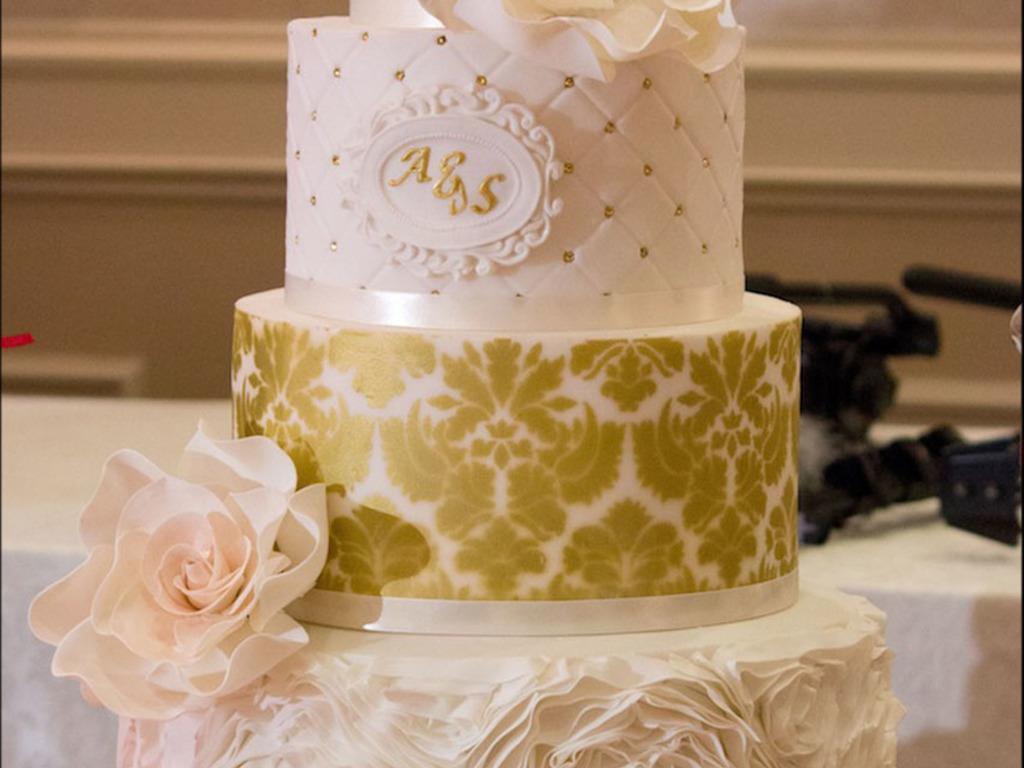 Golden Oasis Dessert Table - CakeCentral.com