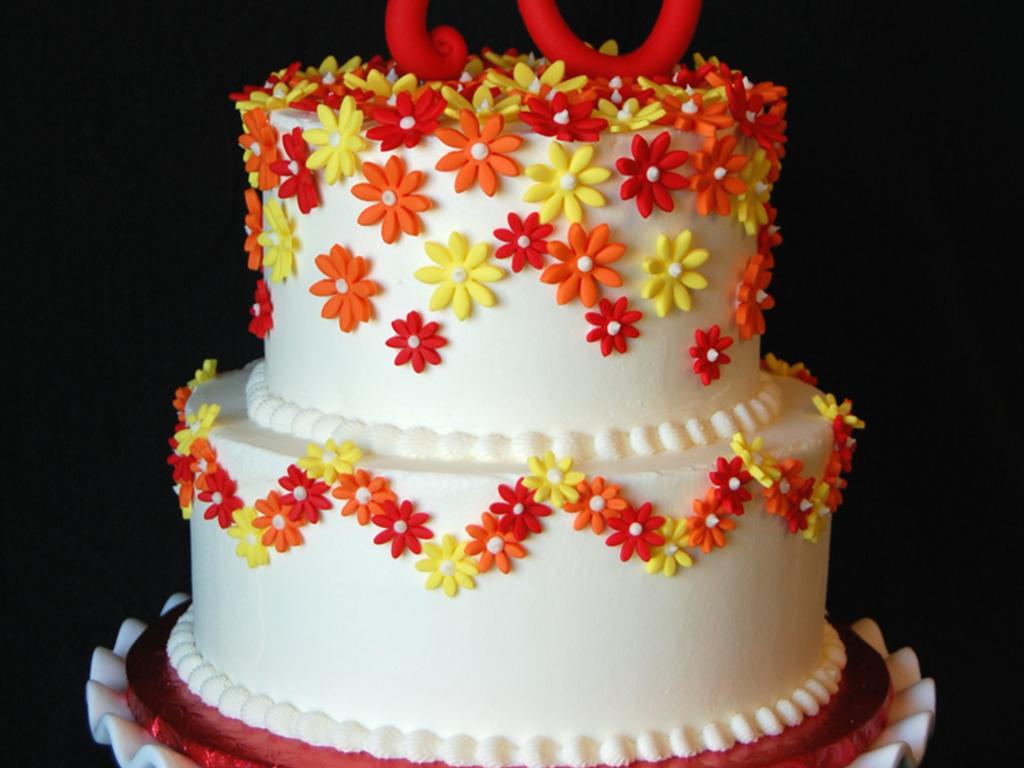Daisy Themed 70th Birthday Cake Buttercream Iced With Fondant