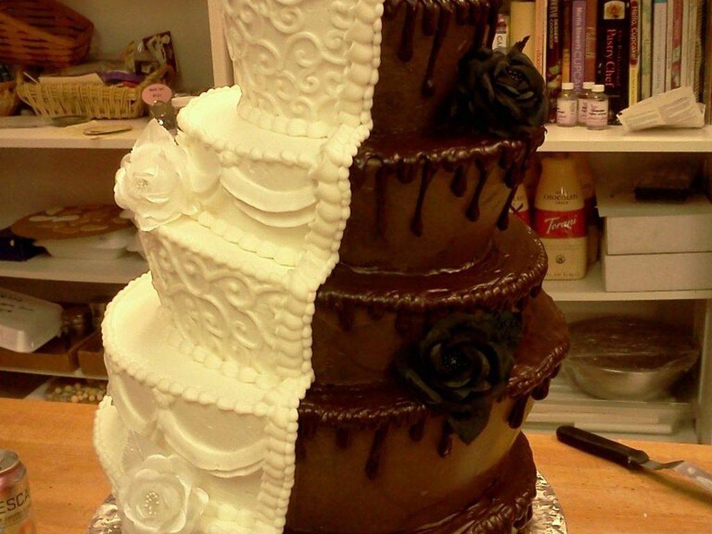 5 Tier Topsy Turvy Brides Side Is All Vanilla Buttercream Adorned ...