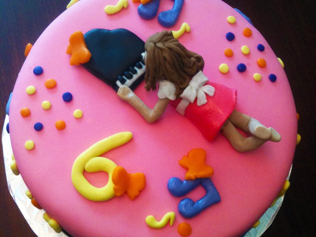 Fabulous Piano Girl 6Th Bday Cake Cakecentral Com Funny Birthday Cards Online Barepcheapnameinfo
