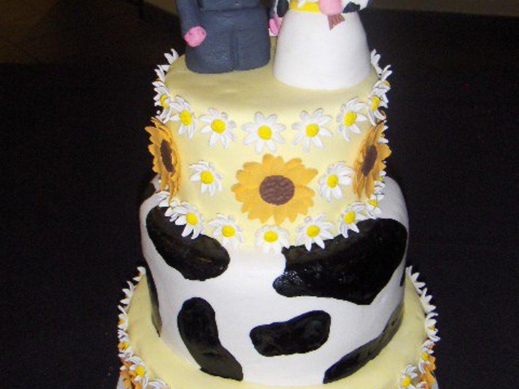Country Wedding - CakeCentral.com