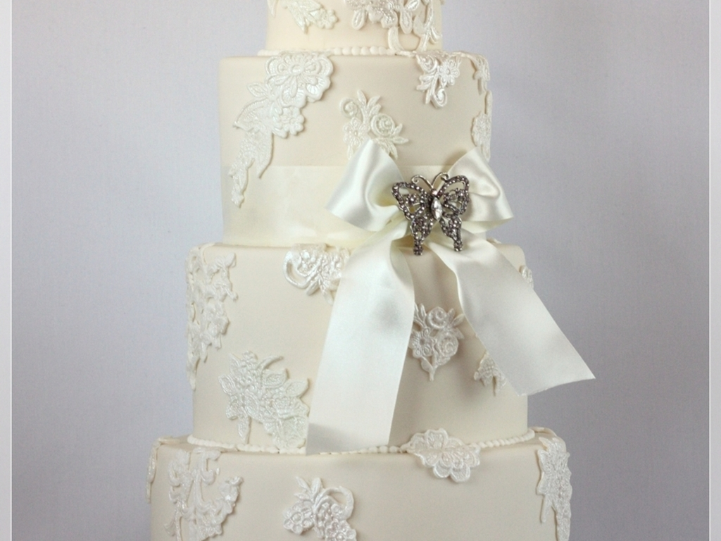 Ivory cake with white lace applique cakecentral