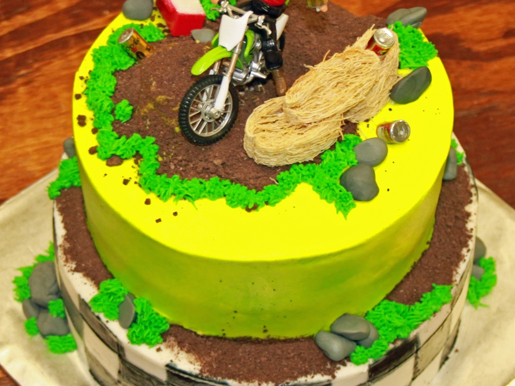Groovy Dirt Bike Birthday Cake Cakecentral Com Funny Birthday Cards Online Inifofree Goldxyz