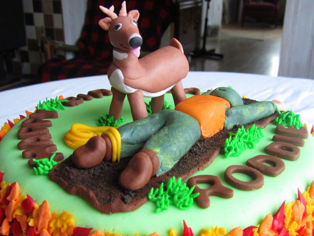 Stupendous Deer Hunting Birthday Cake Cakecentral Com Funny Birthday Cards Online Barepcheapnameinfo