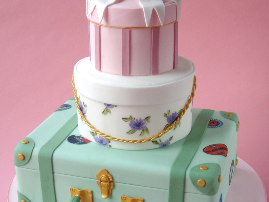 Vintage Luggage Wedding Cake - CakeCentral.com