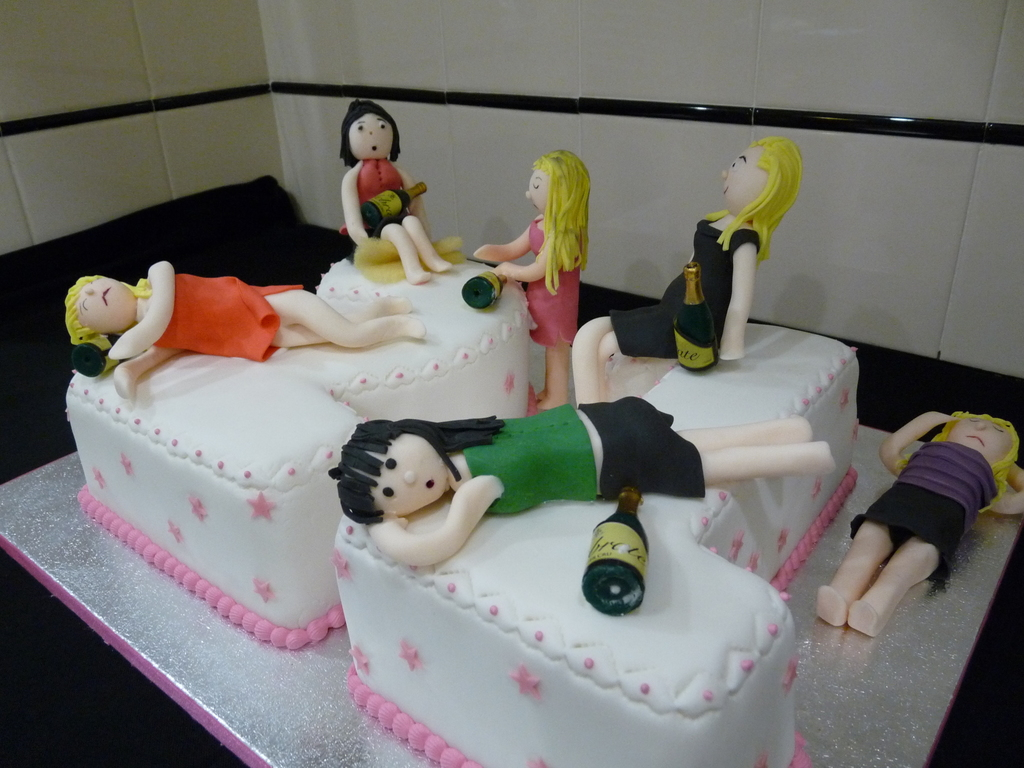 5 Drunken Tarty Party Girls On A 21St Birthday Cake All Little Worse For Wear I Forgot To Remove The Support One Herlegs Before