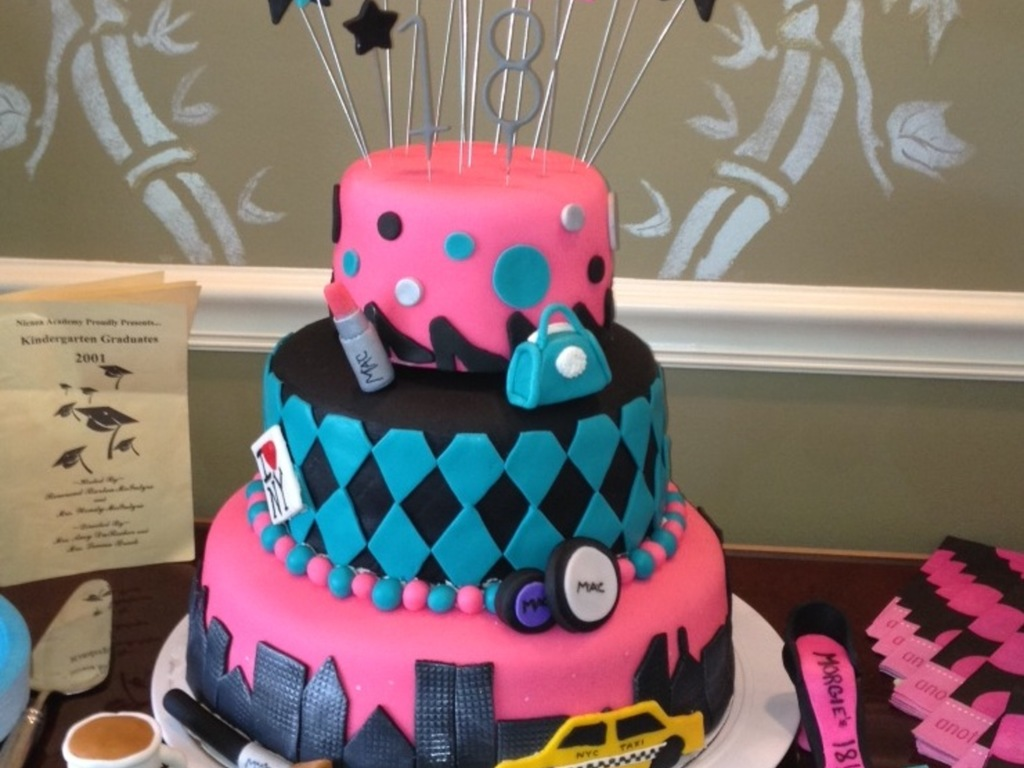 New York Shopping Cake For An 18 Year Old Girls Birthday All Fondant