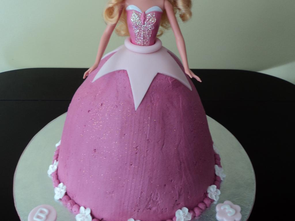 Princess Aurora Birthday Cake White Chocolate Cake With Raspberry