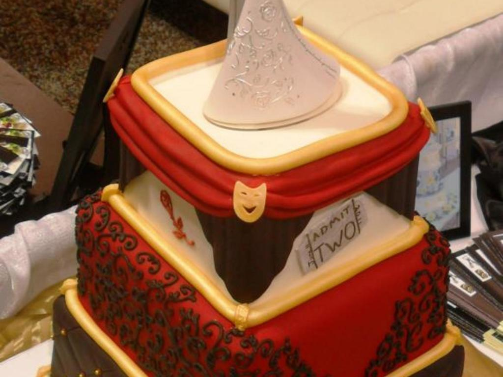 Theater Themed Wedding Cake I Did For The Southern Bridal Show In