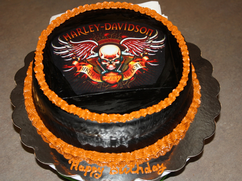 Harley Davidson Cake Decorations Harley Davidson Birthday Cake For My Husband Cakecentralcom
