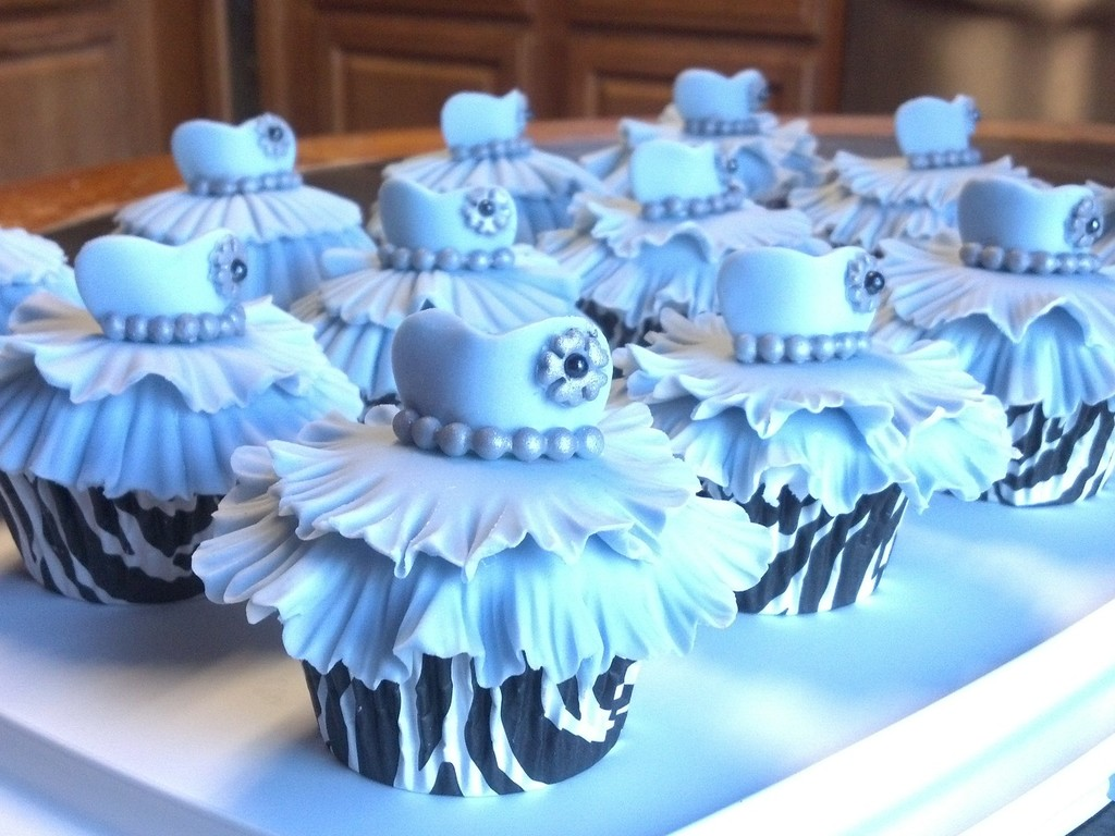 Tiffany Blue Bridal Shower Cupcakes - CakeCentral.com